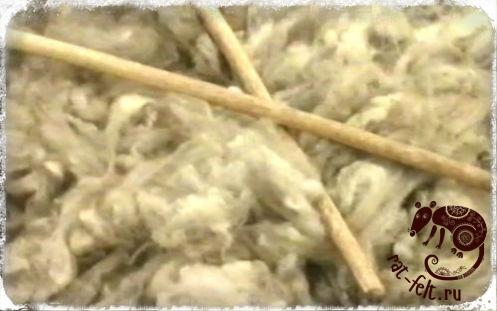 Отбивание овечьей шерсти