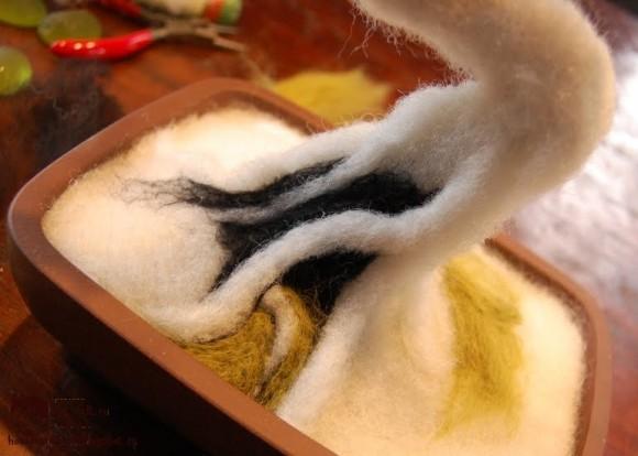 Цветовое оформление искусственного дерева бонсай