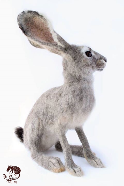 Заяц из шерсти