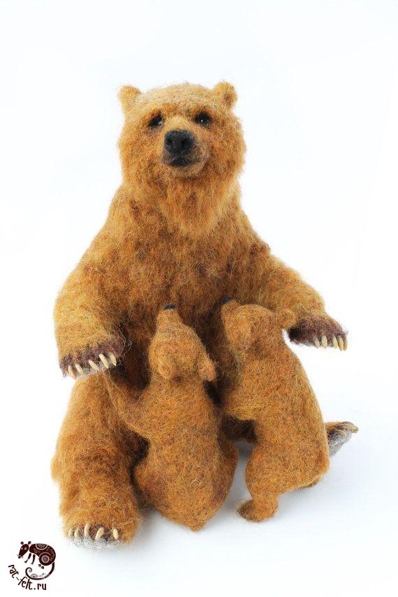 Медведица гризли