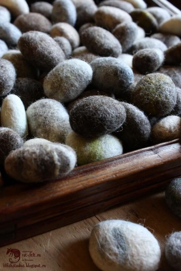 Валяные камни - совсем как настоящие!