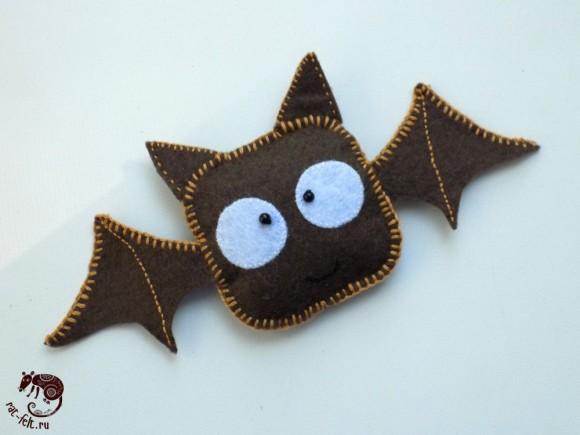 Поделка из фетра на Хэллоуин - летучая мышь