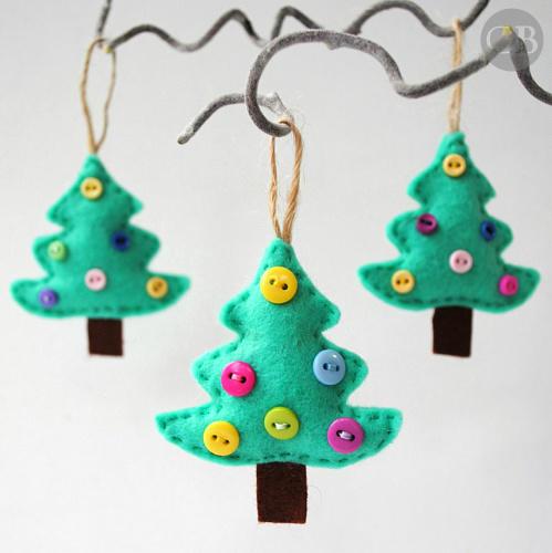 Елочки с пуговицами на елку