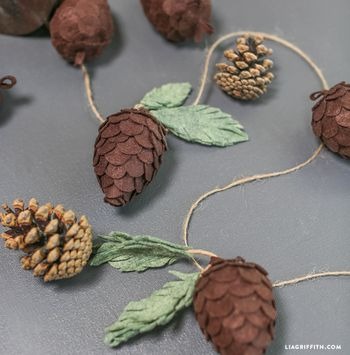 Felt_Foam_Pinecones