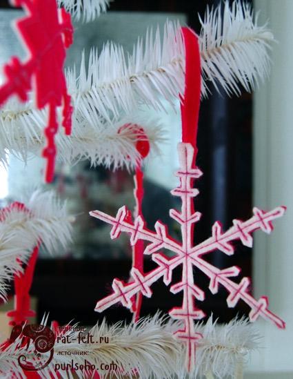 Фетровая снежинка - елочная игрушка