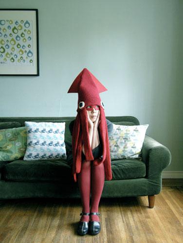 Девочка в костюме кальмара