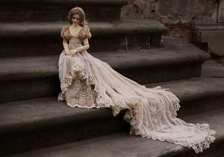 Юная девушка эпохи короля Эдуарда