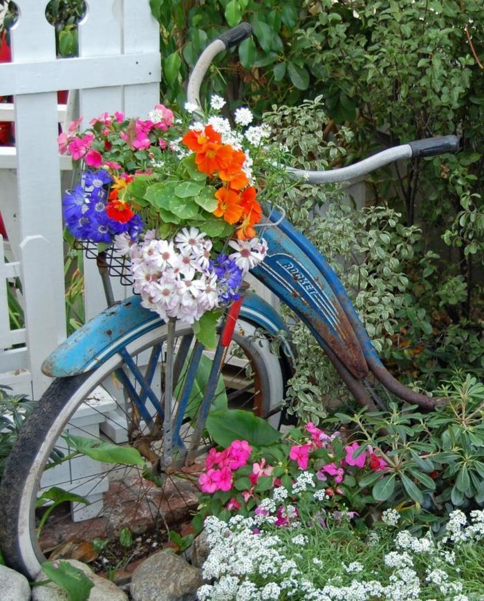 velosiped-v-sadu-1