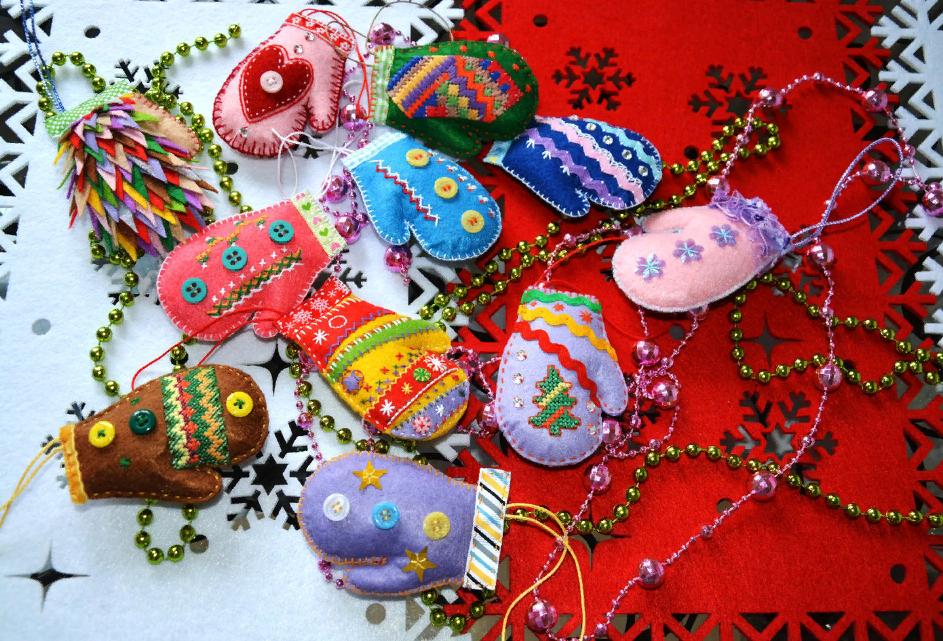 Новогодние игрушки из фетра елочка
