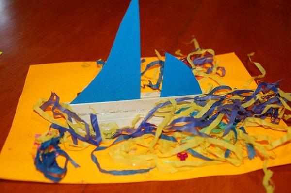 """""""Открытка с кораблем"""" – поделка для детей младшей группы"""