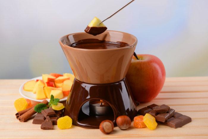 Шоколадно-сырное фондю