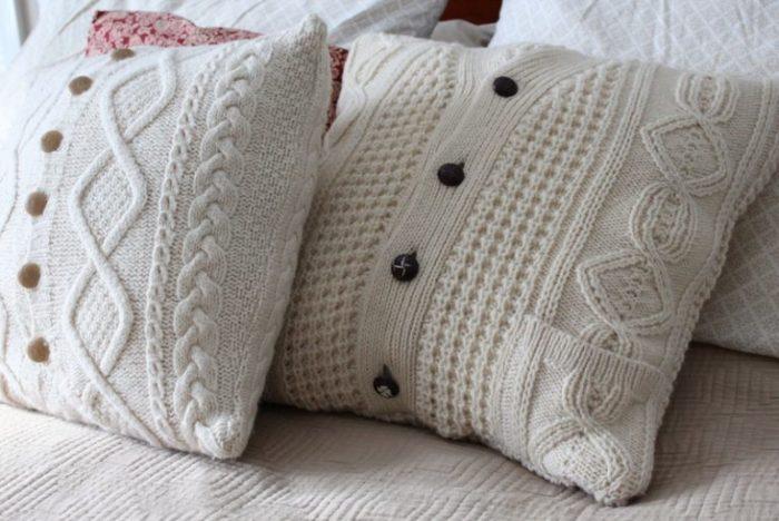 Наволочки на диванные подушки из кофты