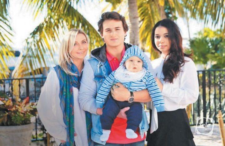 овсиенко с сыном, внуком и невесткой