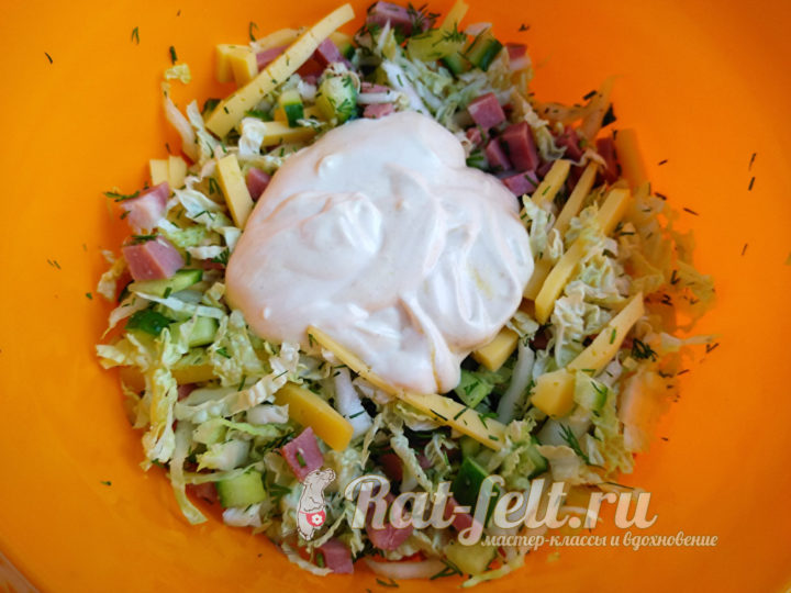 добавить заправку салат