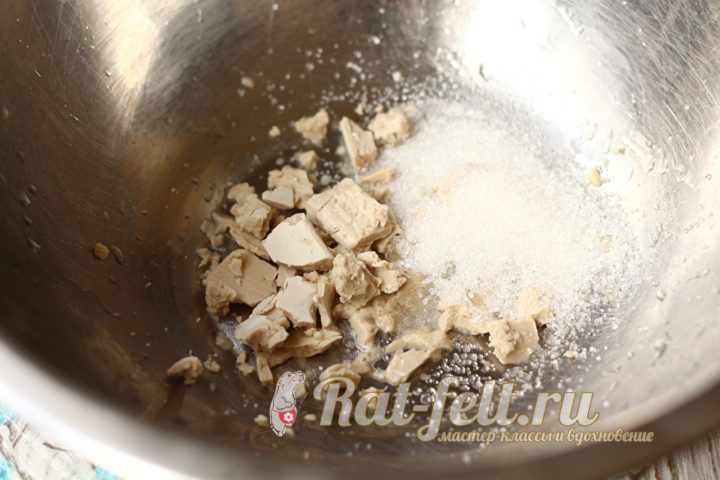 сахар и дрожжи