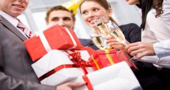 Миниатюра к статье Что подарить коллеге на 23 февраля оригинальное и недорогое?