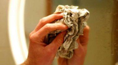 Миниатюра к статье Как отчистить зеркало от пятен и разводов в домашних условиях