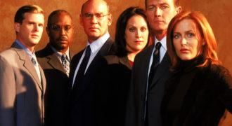 Миниатюра к статье Как выглядят сейчас актеры сериала «Секретные материалы»