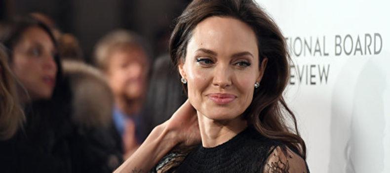 Миниатюра к статье Анджелина Джоли и Колин Фарелл вместе