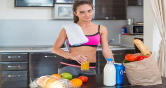 Миниатюра к статье 8 продуктов которые нужно съесть сразу после тренировки, если вы хотите накачать мышцы