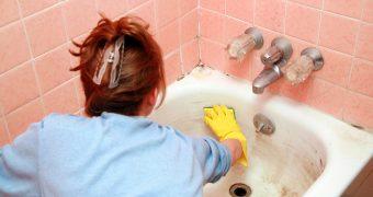 Миниатюра к статье Как быстро очистить ванну от желтого налета в домашних условиях