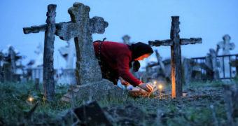 Миниатюра к статье Можно ли ходить на кладбище на Пасху и поминать усопших
