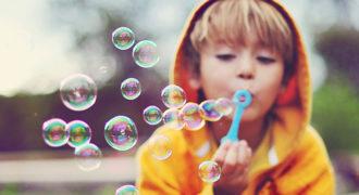 Миниатюра к статье Как сделать раствор для мыльных пузырей своими руками