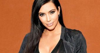 Миниатюра к статье 20 настоящих фото Ким Кардашян! Без фотошопа и фильтров