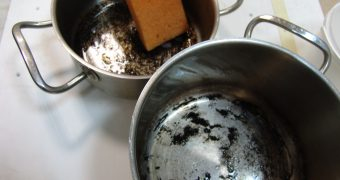 Миниатюра к статье Как очистить алюминиевую кастрюлю от нагара в домашних условиях