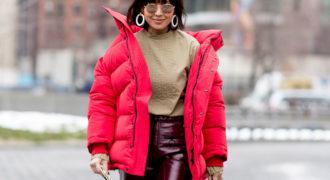 Миниатюра к статье Модные пуховики зима 2018-2019: стильные образы