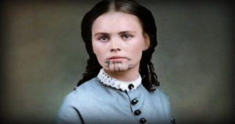 Миниатюра к статье Загадка истории! Девушка со странной татуировкой на лице