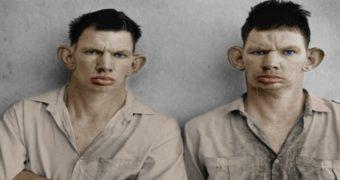 Миниатюра к статье Что стало со знаменитыми близнецами на фотографии 1993 года (фото)