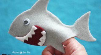 Миниатюра к статье Пальчиковая кукла «Акула» из фетра