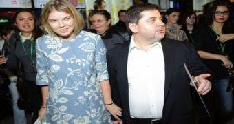 Миниатюра к статье Александр Цекало и Виктория Галушка развелись?