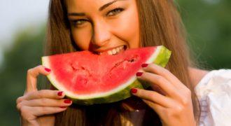 Миниатюра к статье Можно ли арбуз при похудении