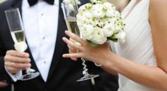 Миниатюра к статье Больная раком девушка вышла замуж, зная, что ей осталось жить всего несколько месяцев