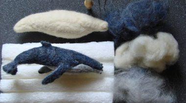 Миниатюра к статье Горбатый кит из шерсти для валяния
