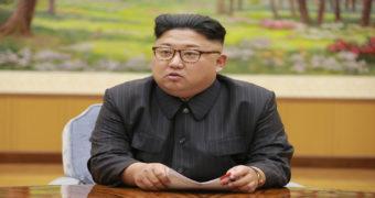 Миниатюра к статье Странные привычки Ким Чен Ына: лимузин с туалетом и протирание стула спиртом