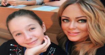 Миниатюра к статье Сколько лет Вере Алдониной, дочери Юлии Началовой