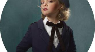 Миниатюра к статье Спорные и шокирующие фотографии курящих детей – кампания против курения