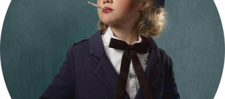 Миниатюра к статье Спорные и шокирующие фотографии курящих детей — кампания против курения