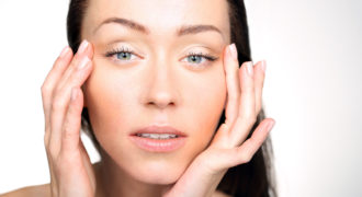 Миниатюра к статье Как избавиться от отеков на лице