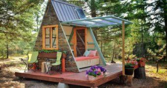 Миниатюра к статье Делаем уютную кабинку для отдыха на даче своими руками