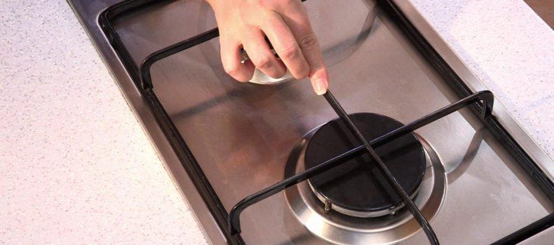 Миниатюра к статье Как и чем очистить решётку на газовой плите: средства и способы