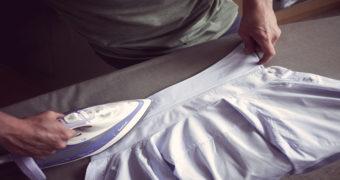 Миниатюра к статье Как правильно и быстро гладить рубашку дома