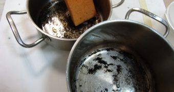 Миниатюра к статье Быстрые способы очистки пригоревшей кастрюли в домашних условиях
