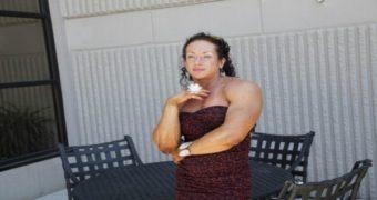 Миниатюра к статье Бодибилдерша с мужской внешностью родила и изменилась до неузнаваемости (фото)