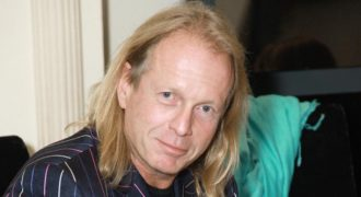 Миниатюра к статье Умер Крис Кельми: причина смерти, биография