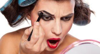 Миниатюра к статье 6 ошибок макияжа, которые состарят даже девушку