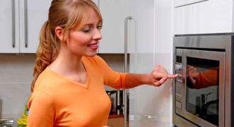 Миниатюра к статье 12 трюков в использовании микроволновки, которые станут находкой для вас